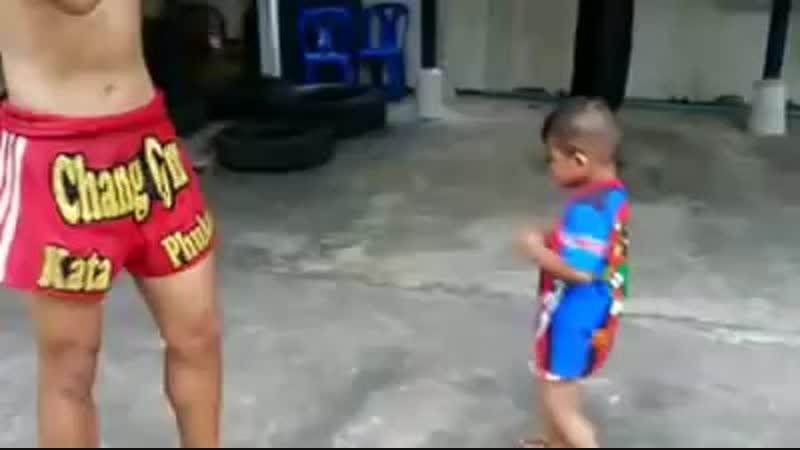 Thailand - Muay Thai Kids..mp4