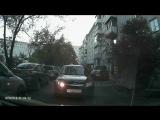 Как ездят по дворам г. Сосновоборска водители с купленными правами