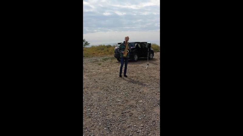 Саксофонист на набережной Таганрога.2
