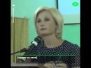 Депутат пришла рассказывать возмущенным жителям о необходимости пенсионной рефор 1