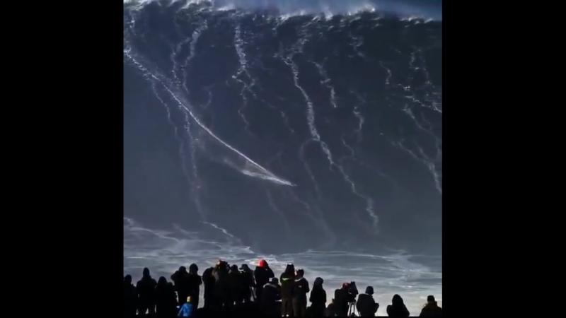 Родриго Кокса установил мировой рекорд, оседлав самую большую волну в мире!
