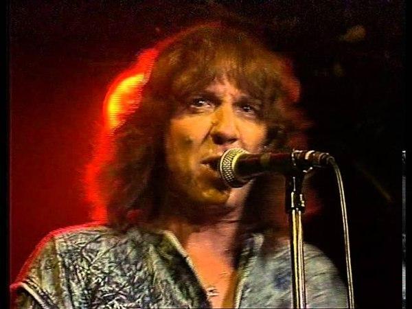 Stevie Wright - Live at the Bridgeway Hotel 1987
