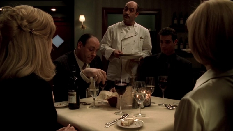 (Клан Сопрано S04E08_02) Тони подтянул к себе Брайана, Кармела переживает за деньги