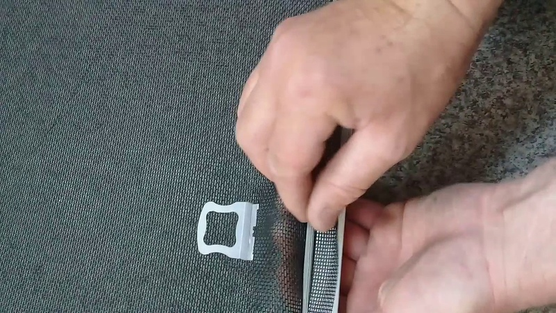 Как установить ручку москитной сетки
