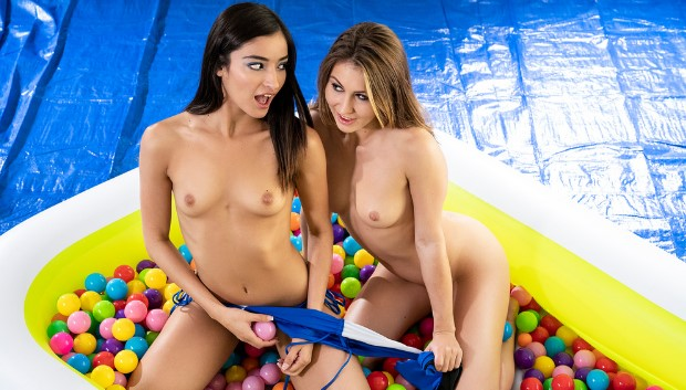 Twistys - Ballin' Booties
