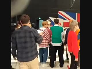 20181015 taeil as johnny's arm rest