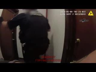 В Сиэтле полицейские застрелили мужчину с ножом и выложили видео в Сеть