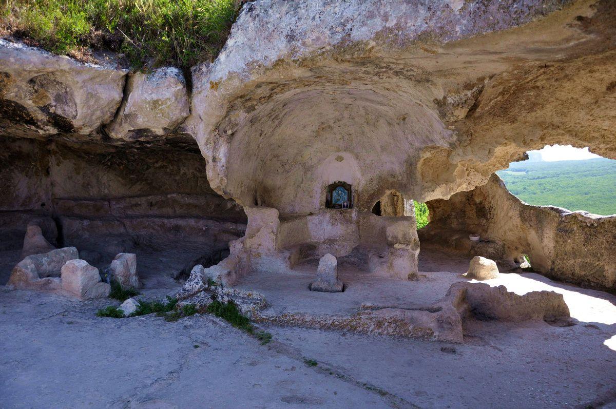 Пещера Судилище