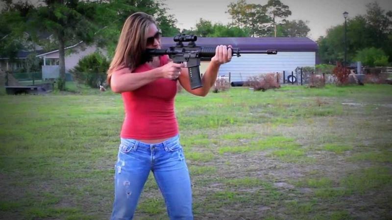 AR-15, REACTIVE TARGETS GIRLS SHOOTING GUNS! RAPID FIRE TANNERITE!