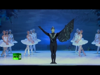 Ballet a la Russe (E5) The perks and sacrifices of going on tour