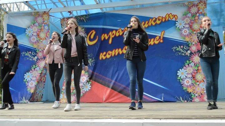 Попурри на песни из к ф Гайдая группа Частный Визит рук О Костенко