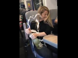 Как не надо открывать бутылки
