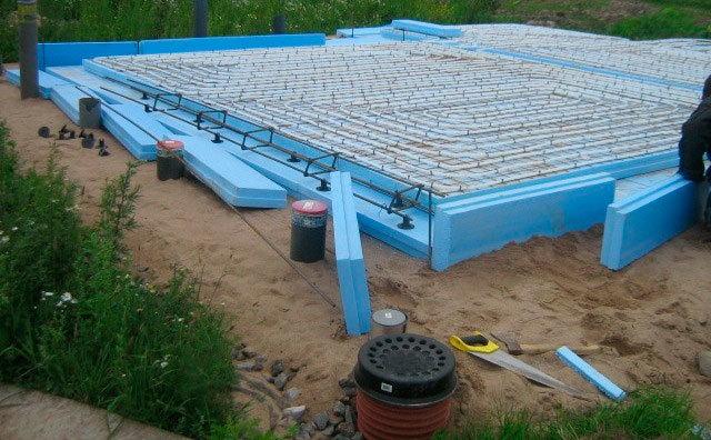 Бюджетный теплый гараж на плавающем фундаменте