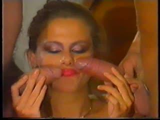 Joy karins-french pissing(1990)2.3 опытная женщина с большой грудью