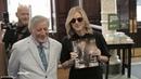 Tony Bennett Diana Krall Surprise Visit Barnes Noble!