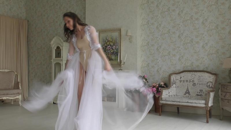Утро невесты в будуарном платье Lila Light с балериной Ириной Платоновой