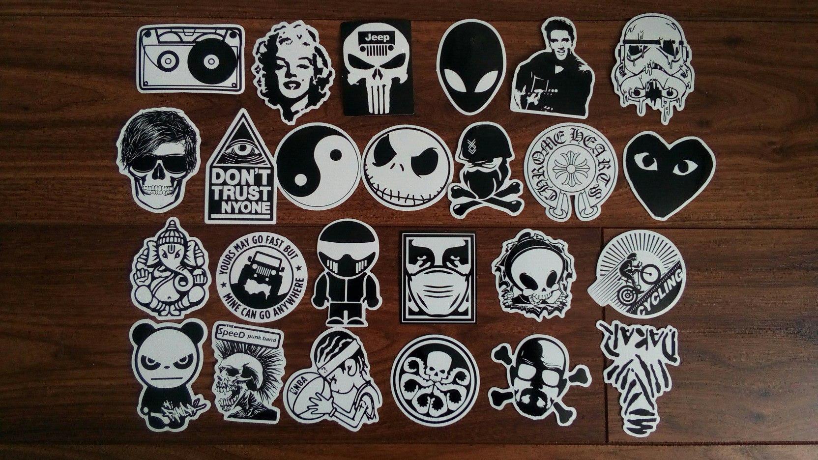 Суровые мужские наклейки стикеры для стикербомбинга. 100 штук черно-белые