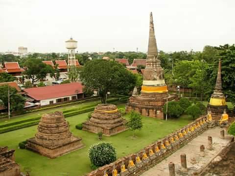 в одном из древних монастырей Таиланда