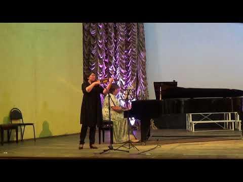 Музыка из к/ф «Список Шиндлера» исполняет Е.А.Борискина, концертмейстер М.Ю.Ускова