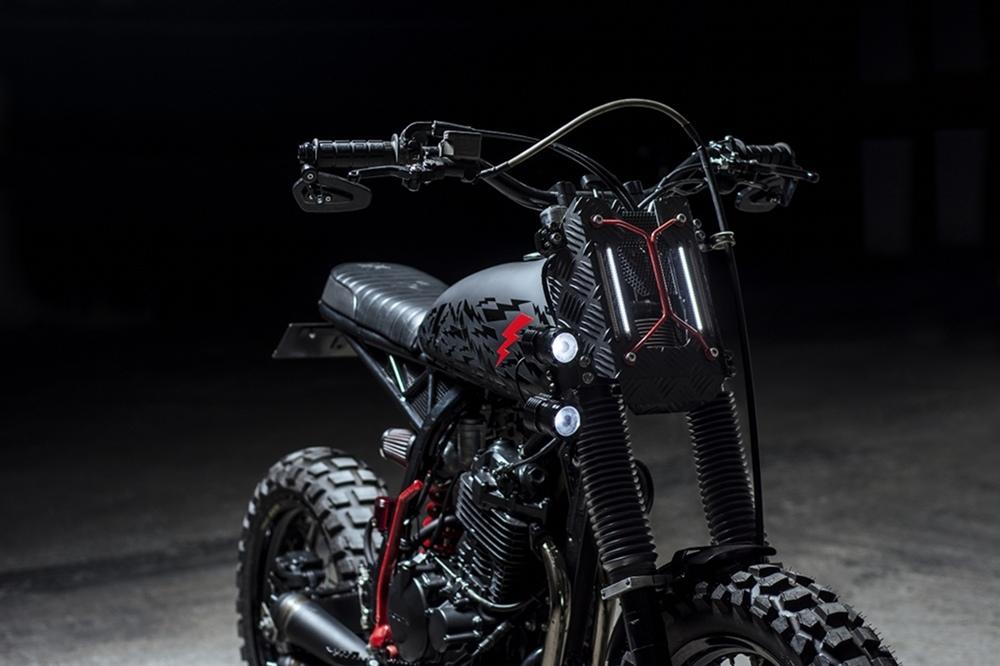 Ace Custom Shop: трекер Honda XR400