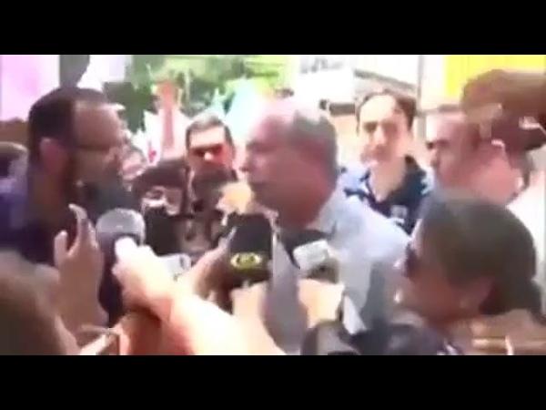 Ciro Gomes xinga e dá leve empurrão em homem num evento de campanha