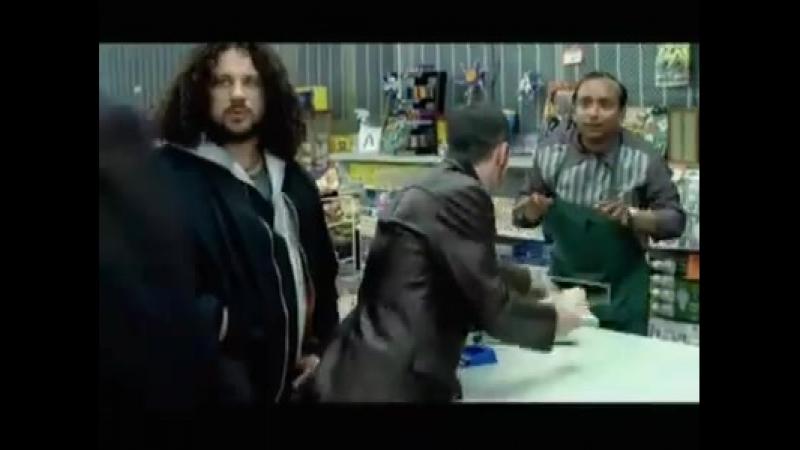 сцена из рекламы Стивен Сигал.