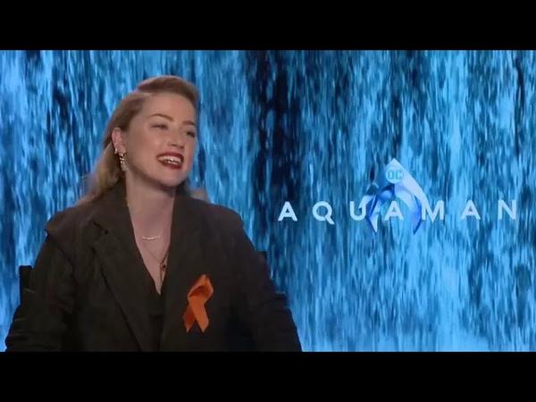 Amber Heard hablando Español sobre su interpretacion en AQUAMAN DC COMICS famosos hablando español