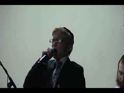Simcha Levinstein Singing Chazzanus in New York Eilu Devarim