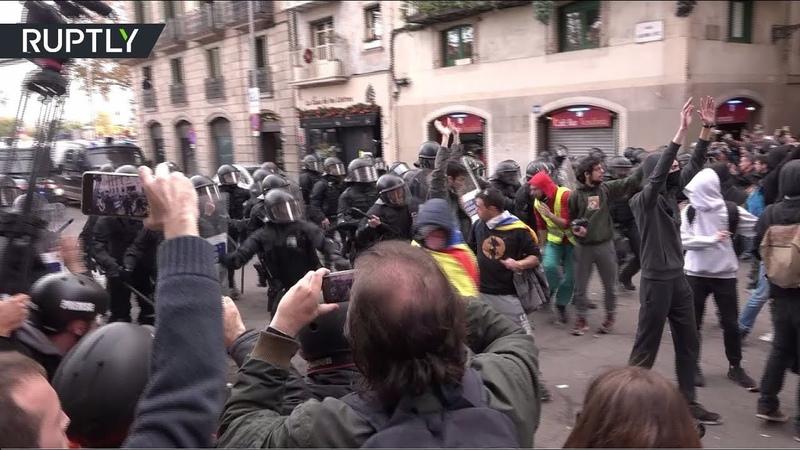 Массовые беспорядки в Каталонии: ожесточённые столкновения между протестующими и полицией