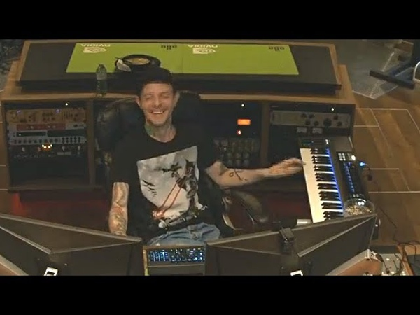 Deadmau5 accidentally discovers an amazing song