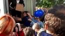 Бесплатная раздача мороженого на площади Пять Углов в городе Мурманск