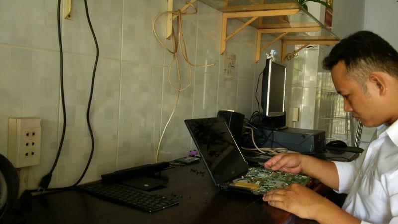 Hướng dẫn tháo ráp và vệ sinh laptop acer 4820G