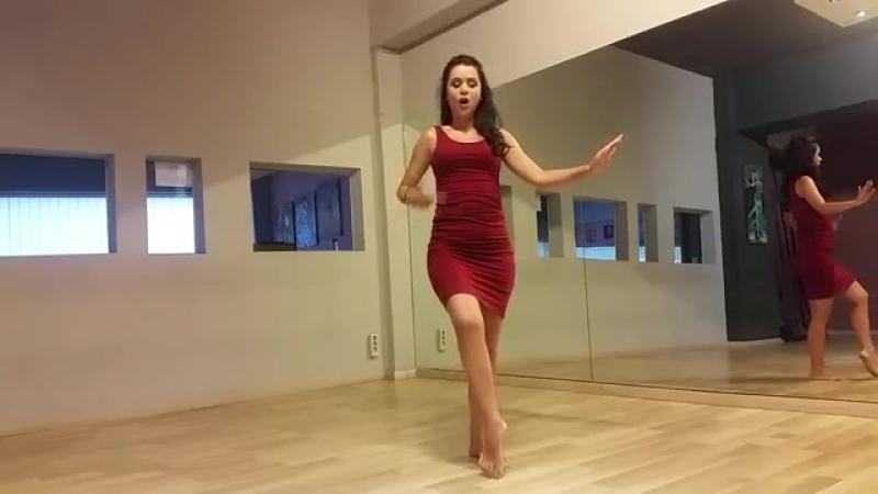 Belly dance Hip Twist Basic Tutorial for Beginners _ Μαθήμα Οριεντάλ για αρχάριο 23860