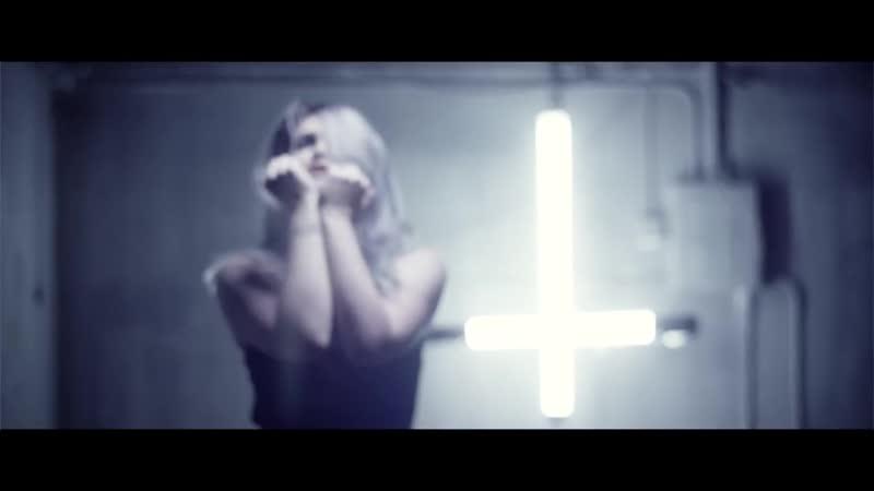 Iwrestledabearonce - Green Eyes (Music Video)