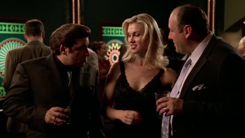 (Клан Сопрано S04E12_05) Семья Сопрано в казино, Фьюрио упускает свой шанс