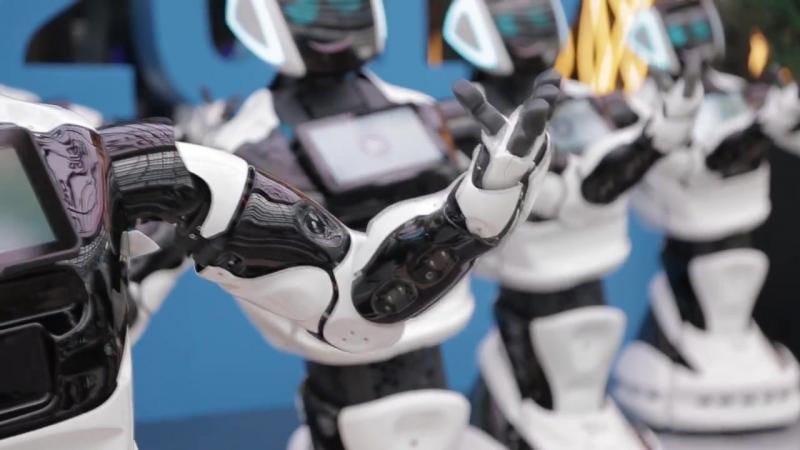 Массовый танец российских роботов Промобот в Астана Экспо