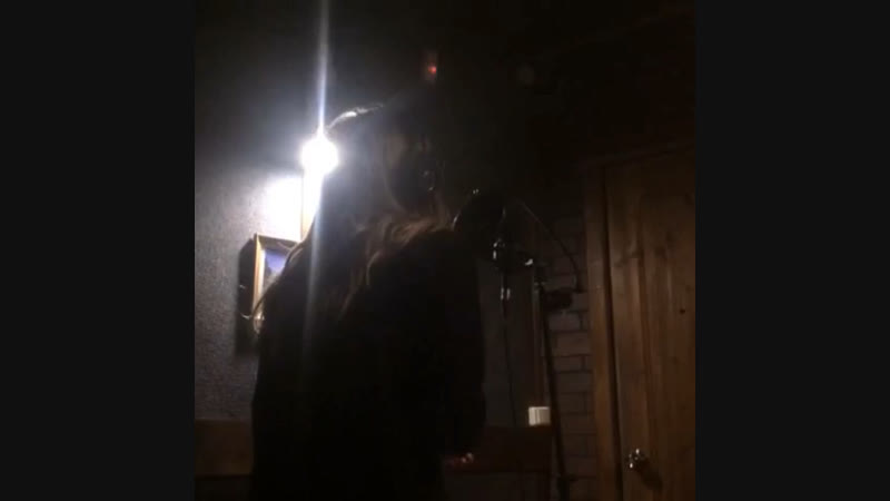 VOLHVOVSKI Good girl's gone bad recording in the studio