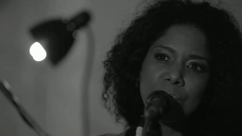 Fred Martins Nancy Vieira (Фред Мартинш и Нэнси Виейра). O Samba me Diz
