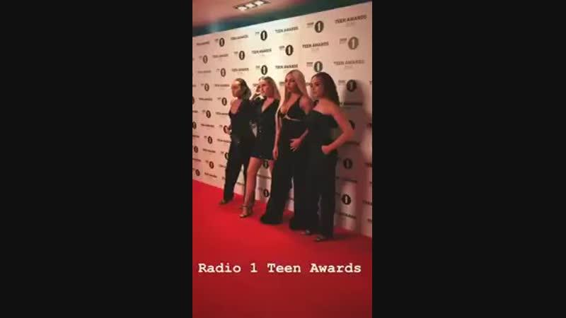 Little Mix en la alfombra roja de R1TeenAwards @LittleMix