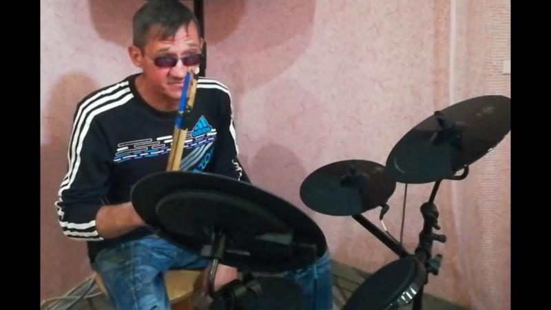 Интересный факт! Школа игры на барабанах от Старого! Когда по барабану!