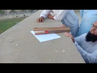 Как следует следить за луной. Видео отправил мой друг, который учится в Дарул-улум Карачи.