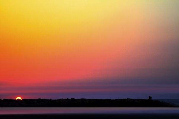 Цветные впечатления из Израиля Удачная фотография не всегда имеет красивые цвета, а графическая работа почти всегда нуждается в неповторимой композиции. Фотограф и художник из Тель-Авива Джош