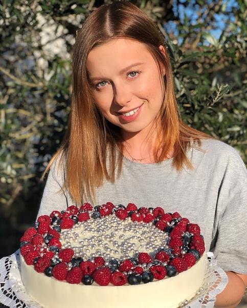 Юлия Савичева продолжает увлекаться кулинарией!