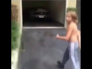 Мальчик с обложки трека XXXtentacion — Look At Me [Новая Школа]