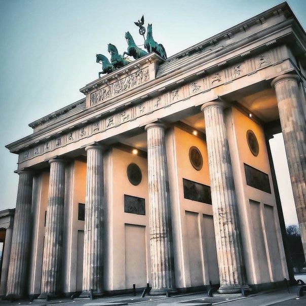 Петербург: ПРЯМЫЕ рейсы в Берлин всего за 8000 рублей туда-обратно
