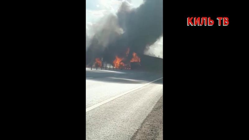 Жесткая авария на минском шоссе Фура просто полыхала синим пламинем