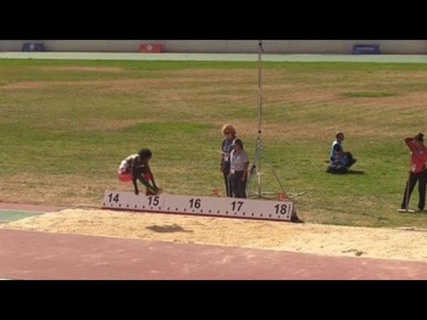El surinamés Van Assen logra el oro del salto triple en un apretado duelo