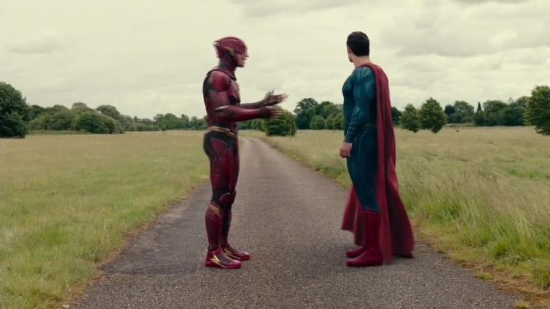 Гонка Супермена и Флэша.
