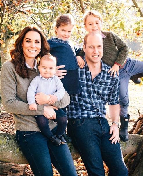 Завтра королевскую семью ожидает праздник - принцу Луи Кембриджскому исполняется 1 год.