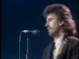 Джордж Харрисон и Эрик Клэптон - Пока моя гитара нежно плачет
